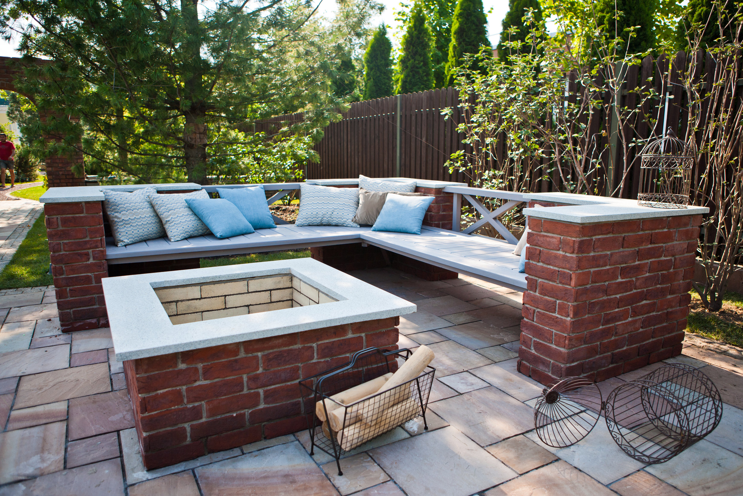 4 Ideal Seating Solutions for your Warwick NY Outdoor Fireplace