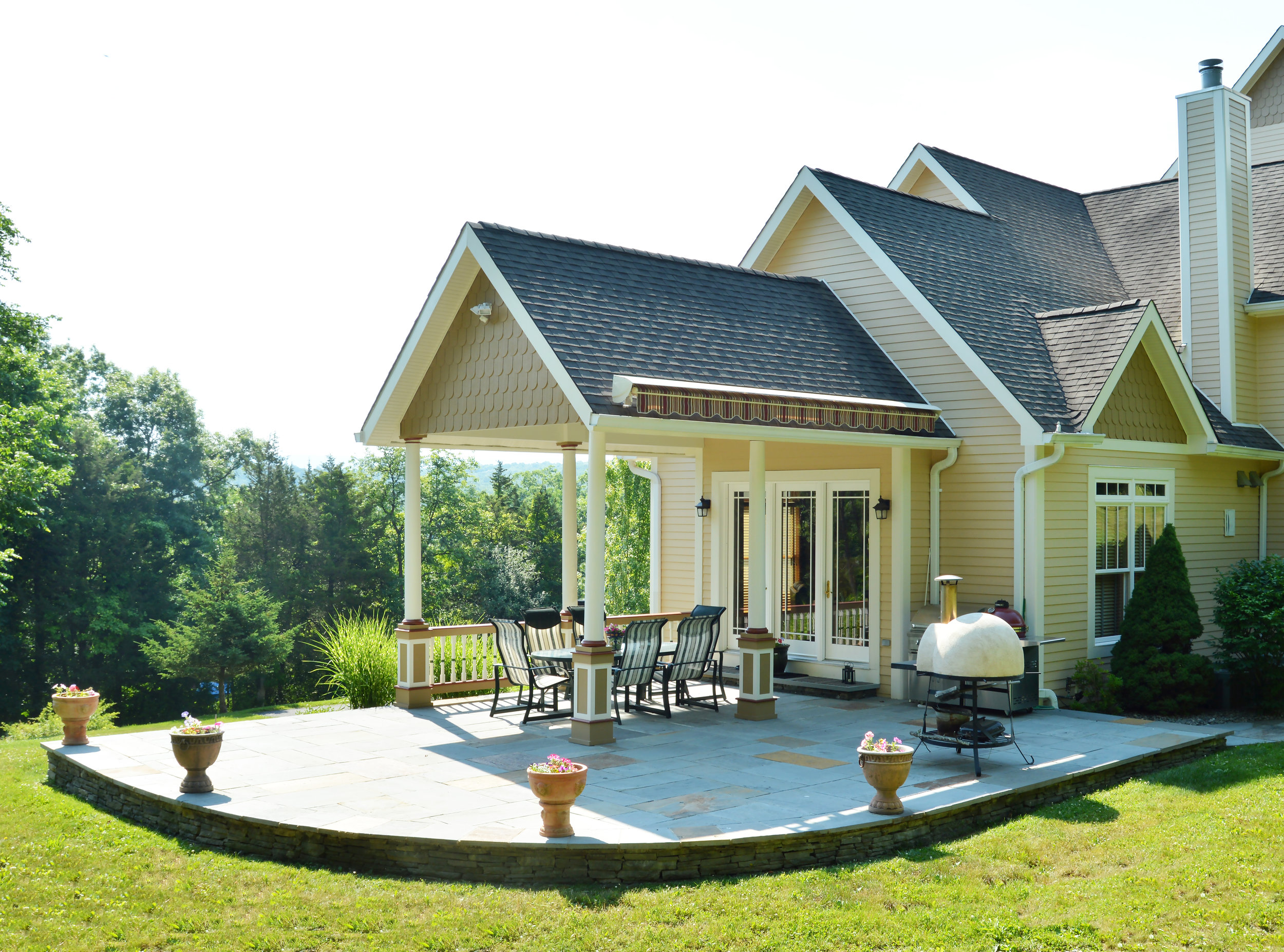 Make the Most of Your Monroe, NY, Backyard Deck with These Landscaping Ideas