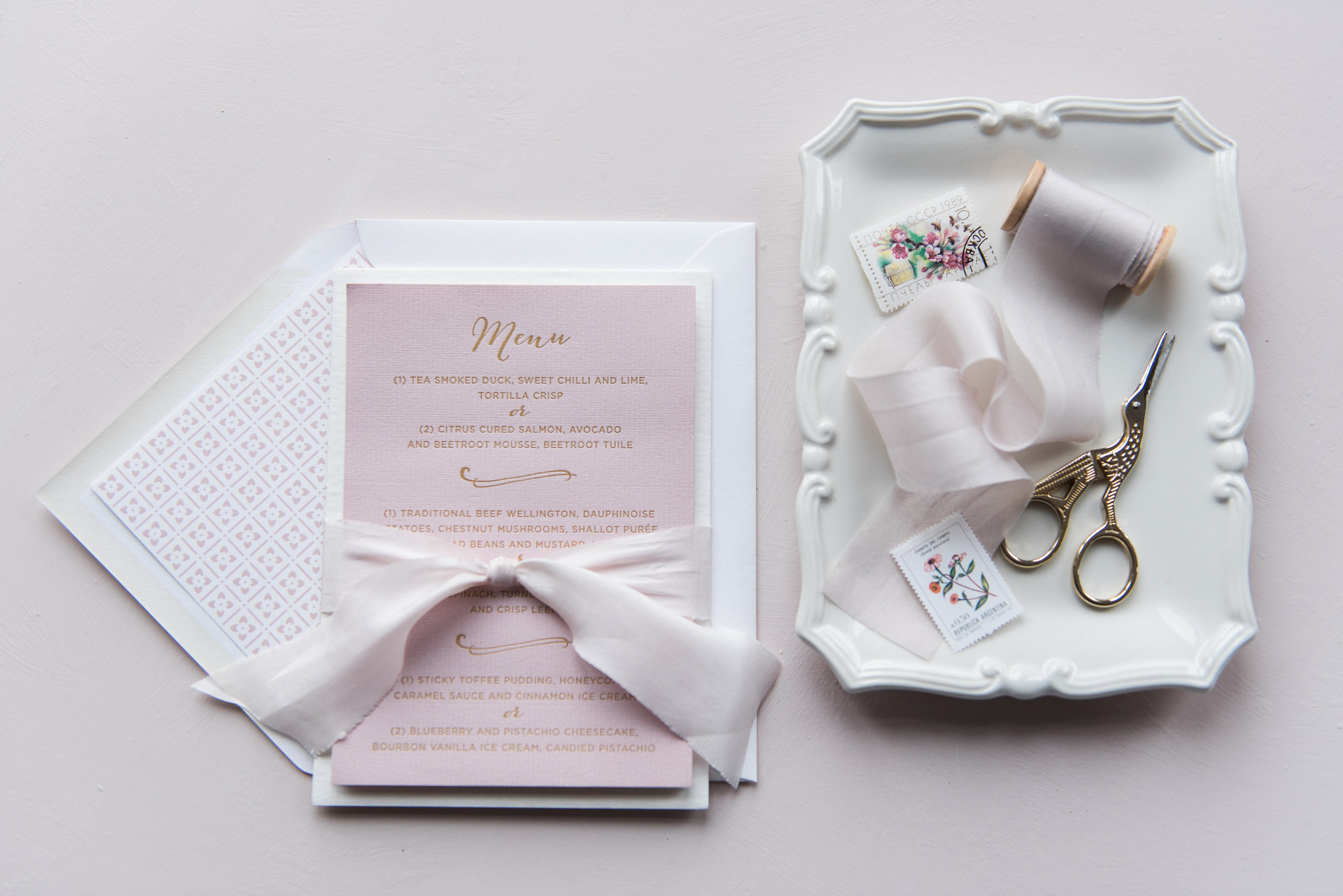"""5x7"""" gummed 135g luxe envelopes included as standard"""