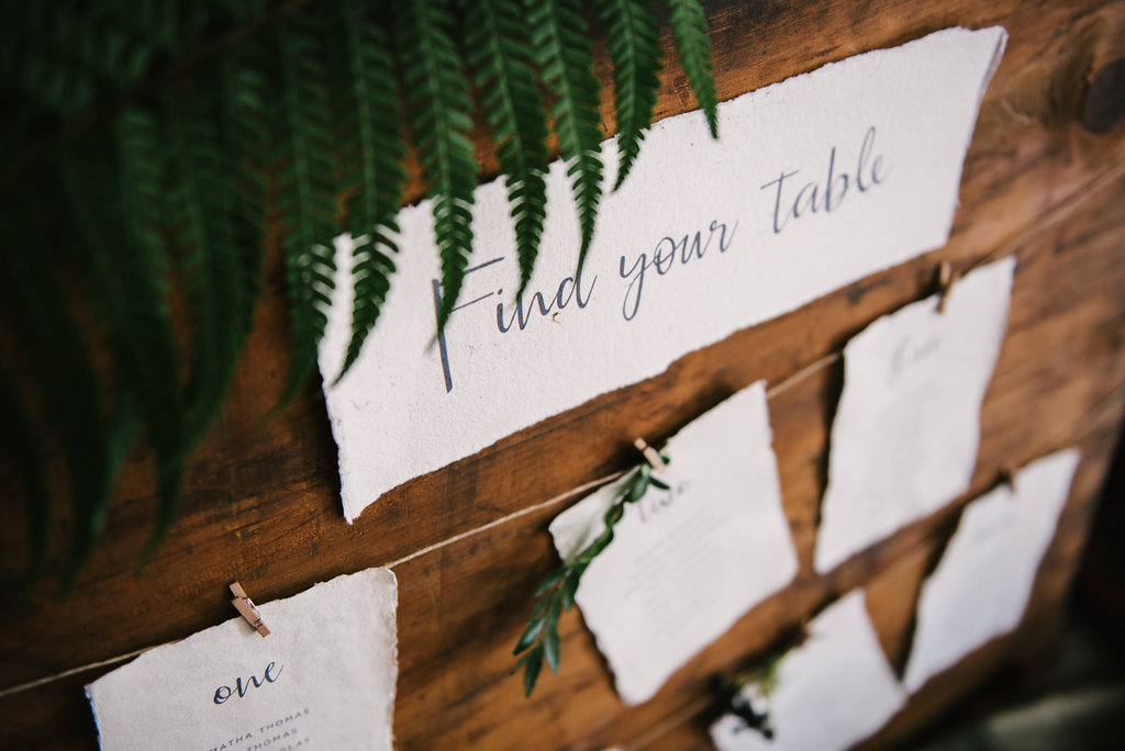 Rustic table plan cards