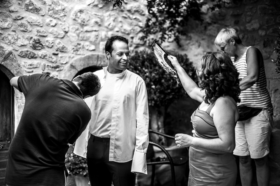06_Destination_Wedding_in_Monemvasia_groom_hot.jpg