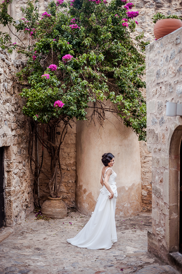 20_Destination_Wedding_in_Monemvasia_bride.jpg