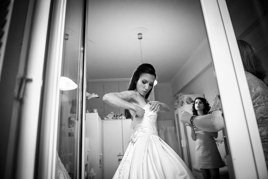 31 filothei wedding bride preperations.jpg