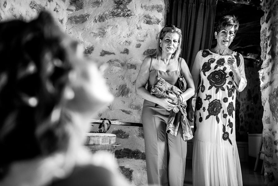 42_Wedding in themonies suites Folegndros.jpg