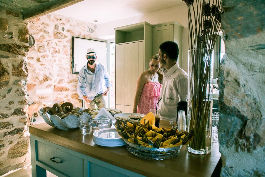 52_Wedding in Folegandros funny.jpg