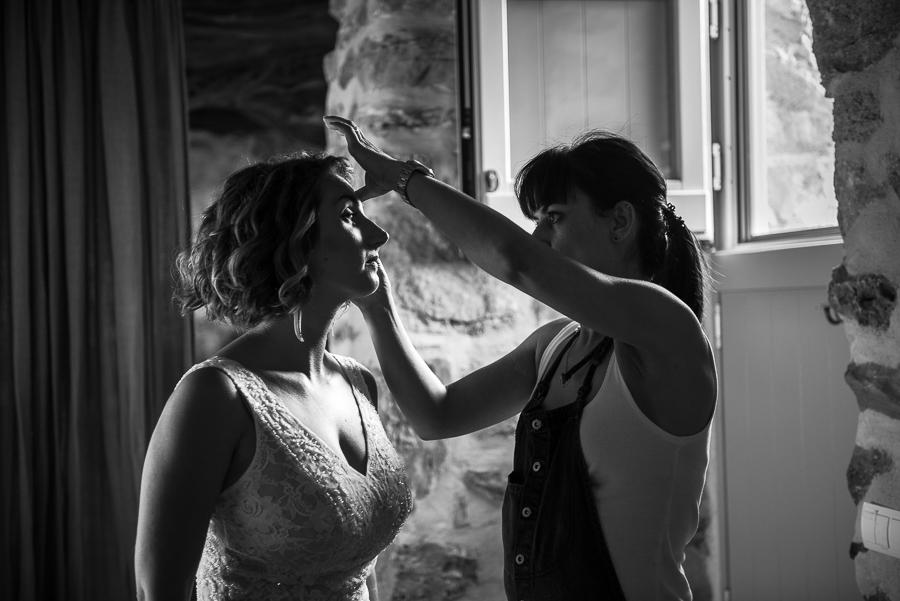70_Themonies Suites Bride's preperations.jpg