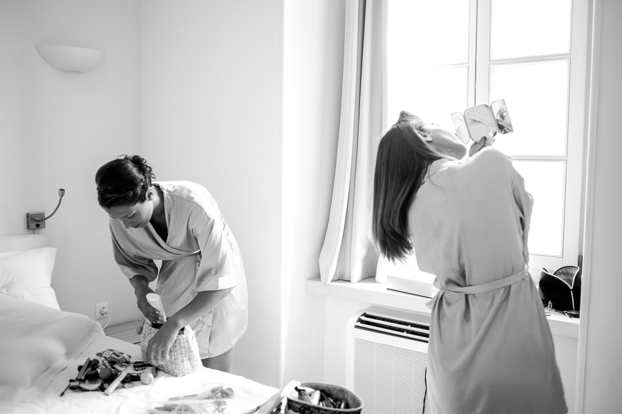 78_Hydra_wedding_photographer getting ready.jpg