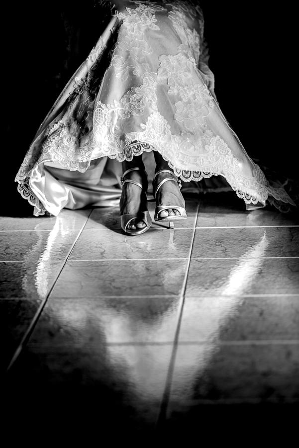 91 γάμος στο αγρίνιο λεπτομέρεια στην προετοιμασία της νύφης.jpg