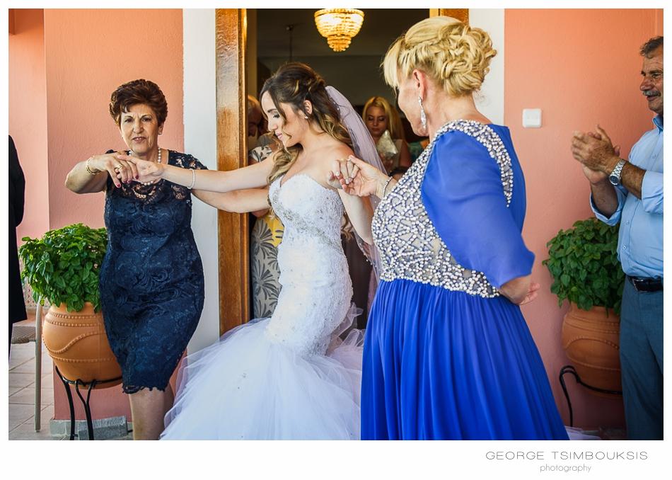 68_Wedding in Chios bride is dancing.jpg