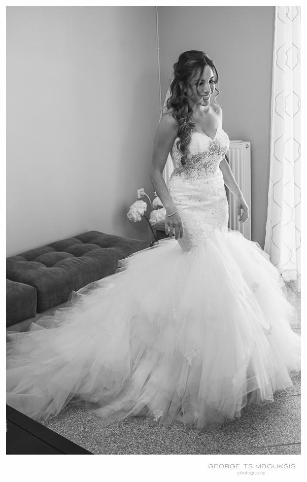 75_Wedding in Chios bride in the wedding dress.jpg