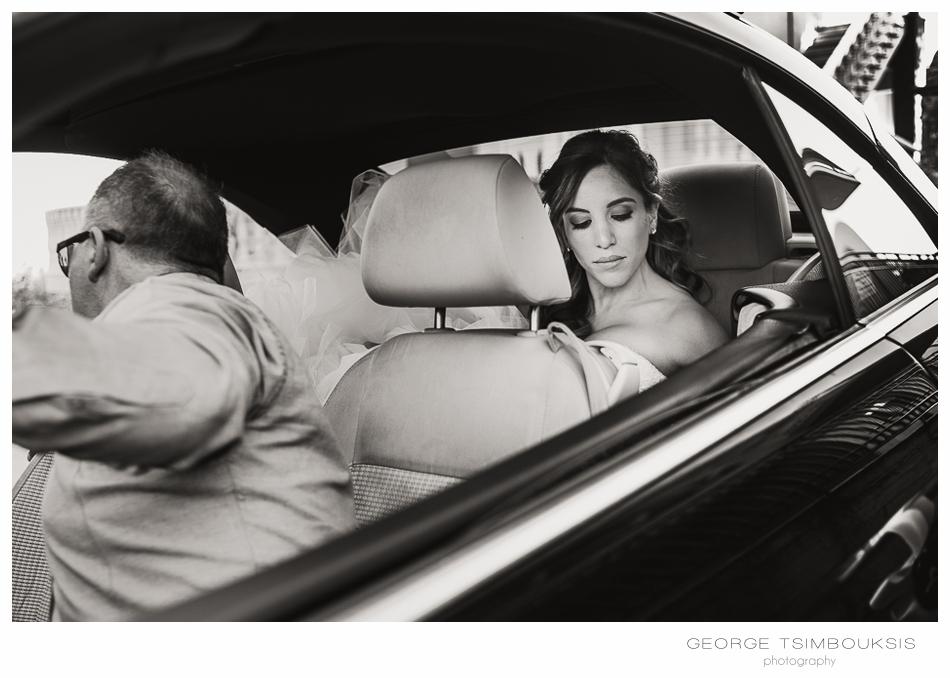 94_Wedding in Chios bride in the car.jpg