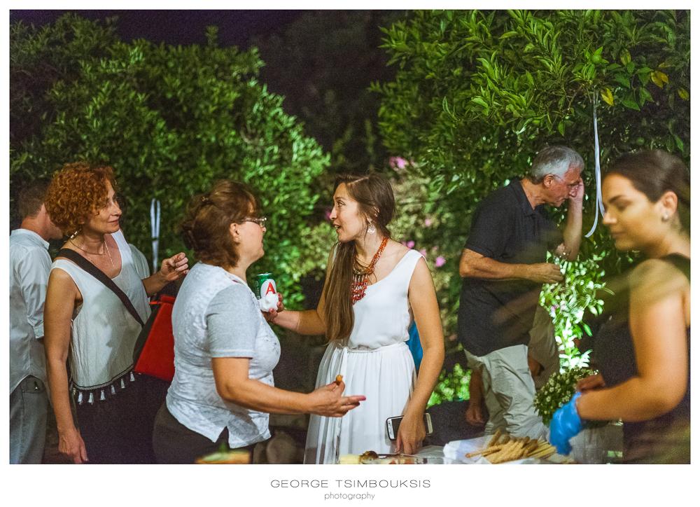 4_Wedding in Mystras_Prewedding Party bride with friends.jpg