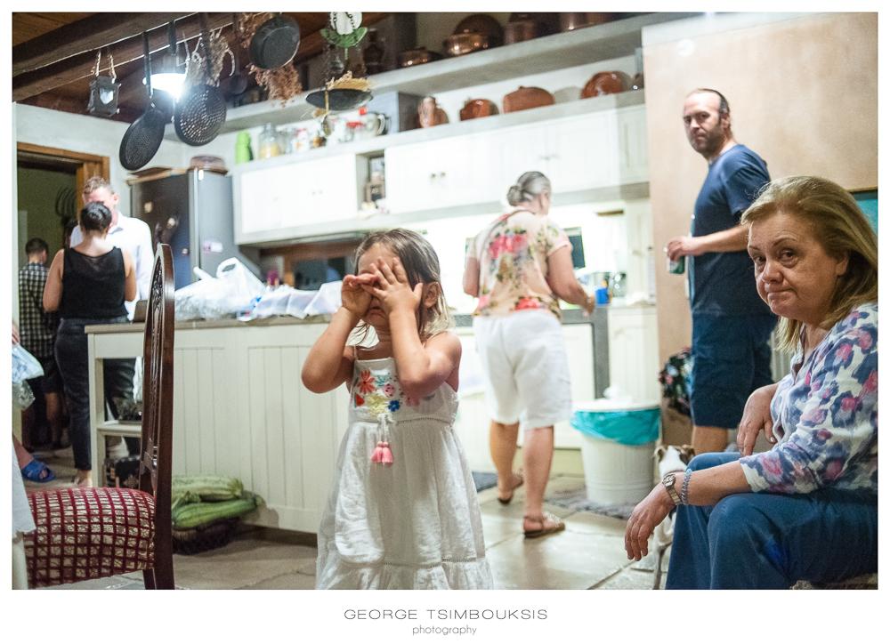 12_Wedding in Mystras_Prewedding Party little girl.jpg