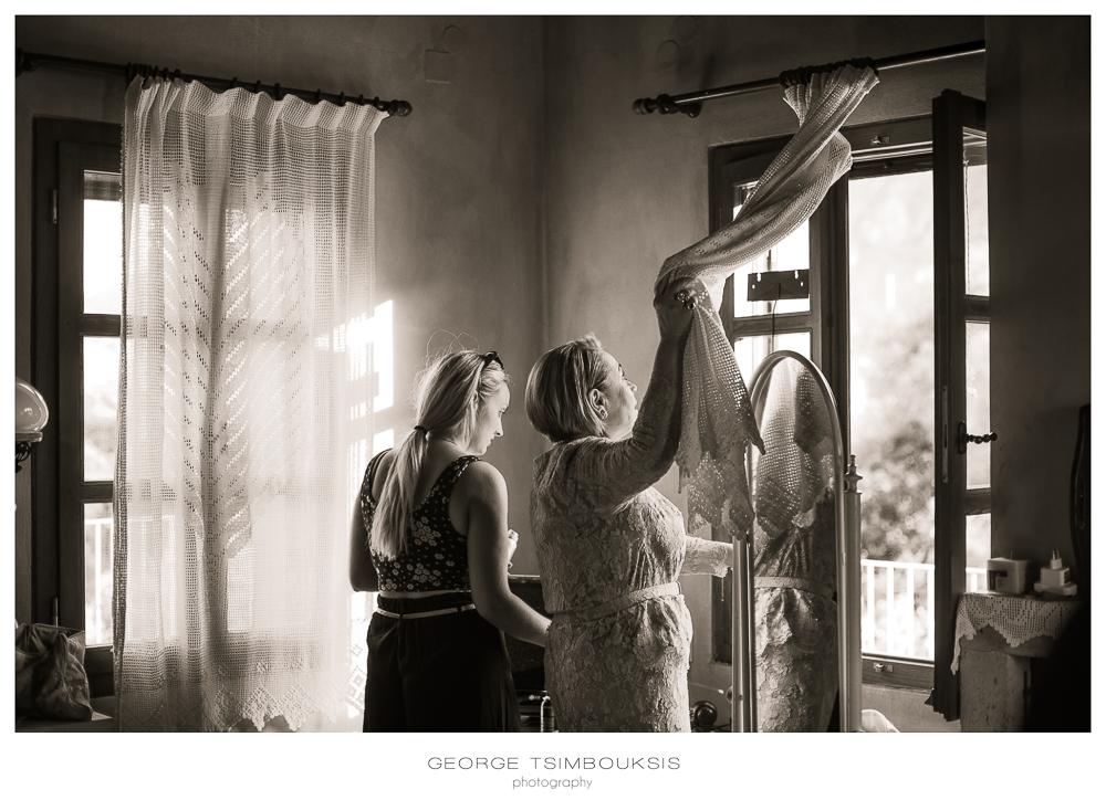 81_Wedding in Mystras_mom's closing the windows.jpg
