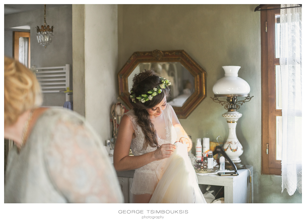 89_Wedding in Mystras_the bride and the dress.jpg