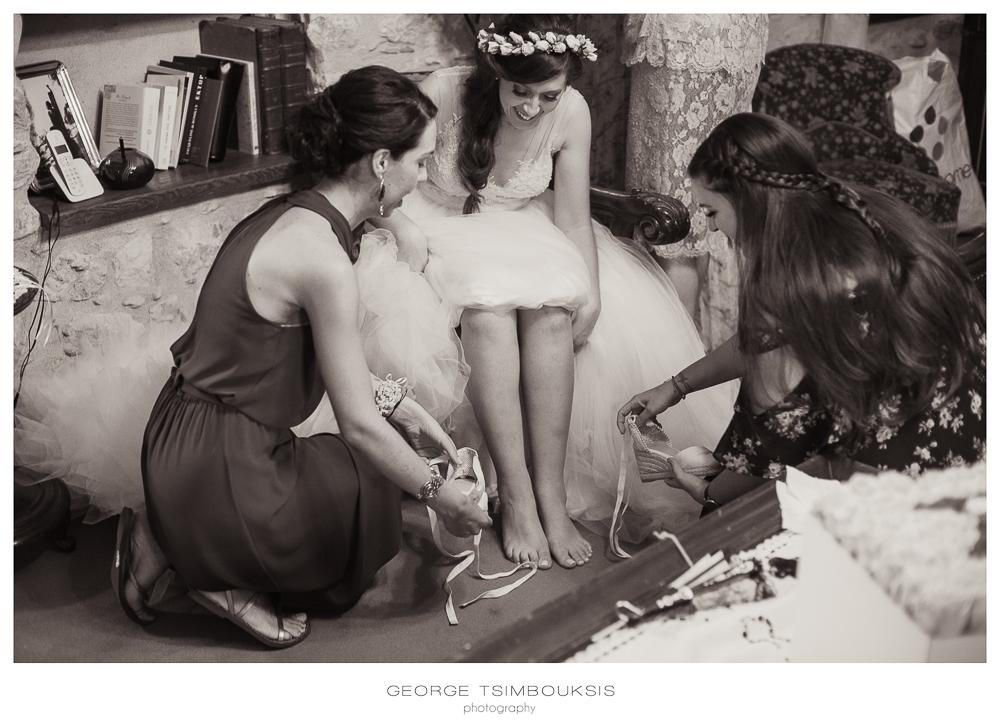 101_Wedding in Mystras_wearing the shoes.jpg