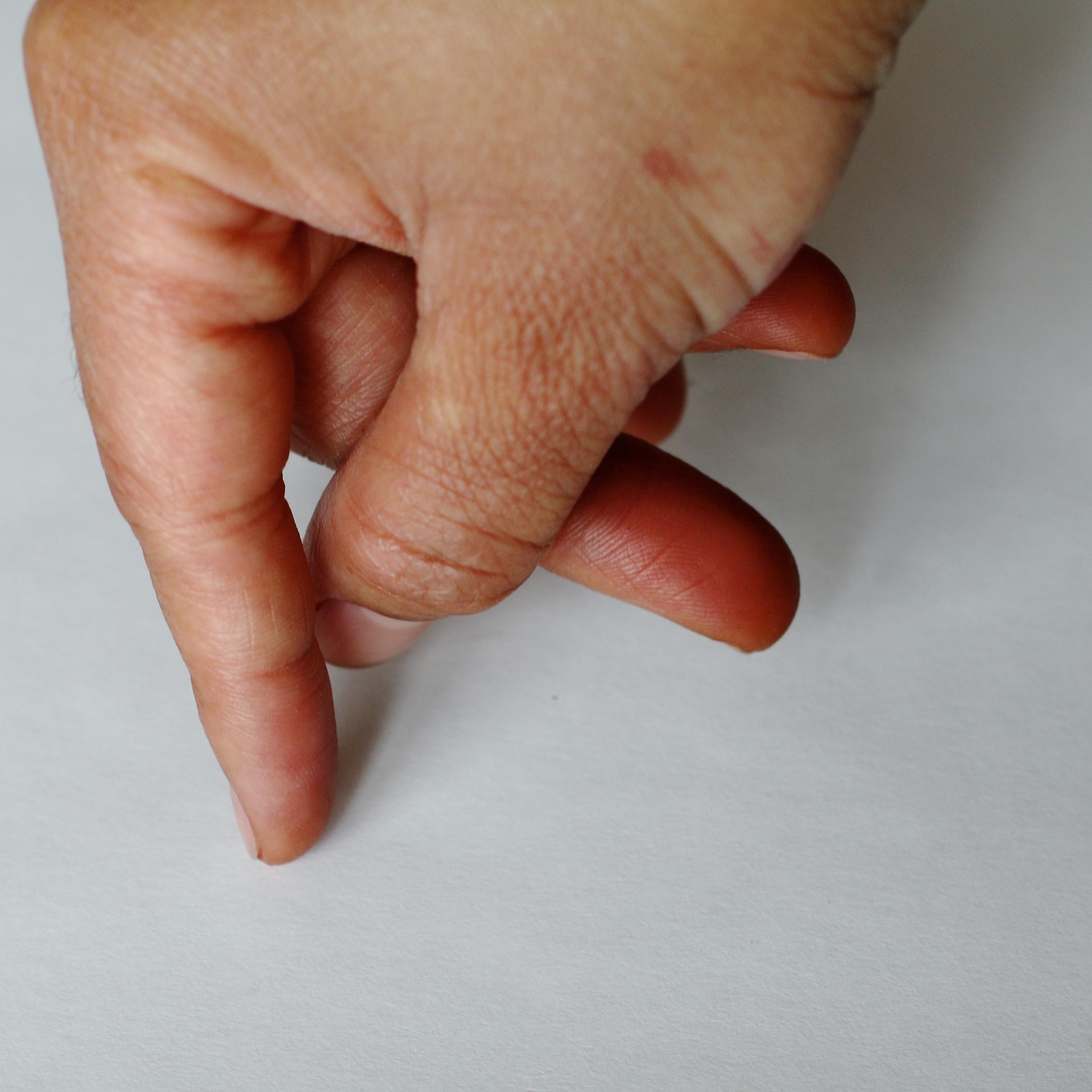 Finger stick men for crimping pie edges