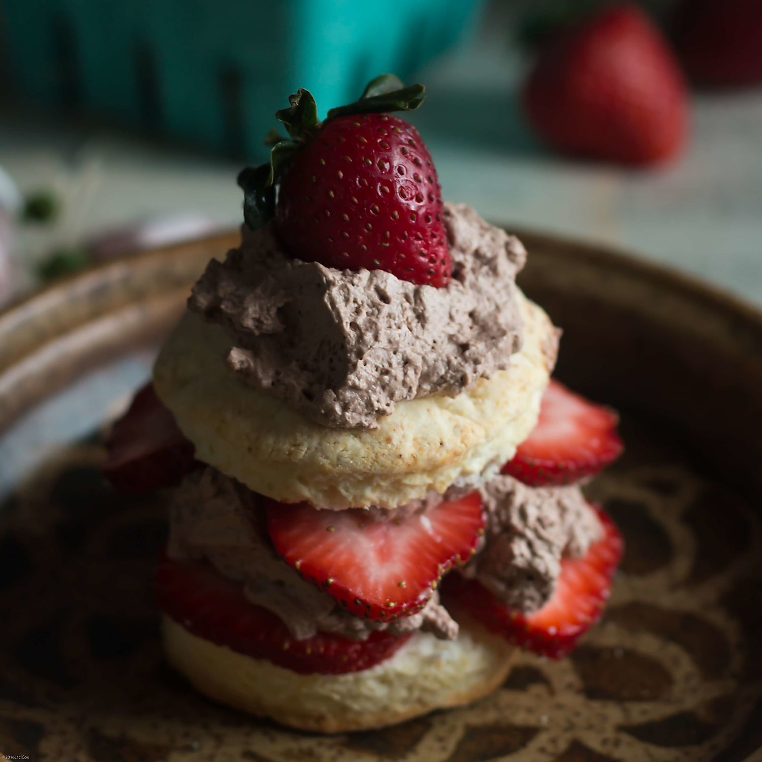 Eat Strawberry Chocolate Shortcakes!