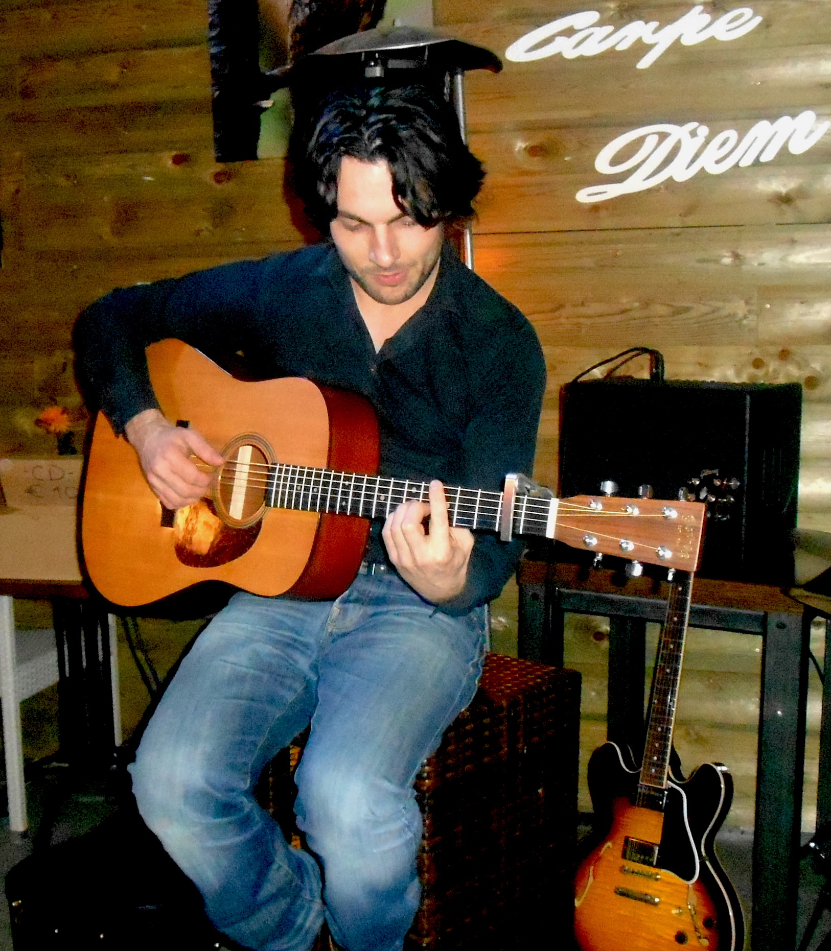 Thomas solo acoustic guitar Click to download