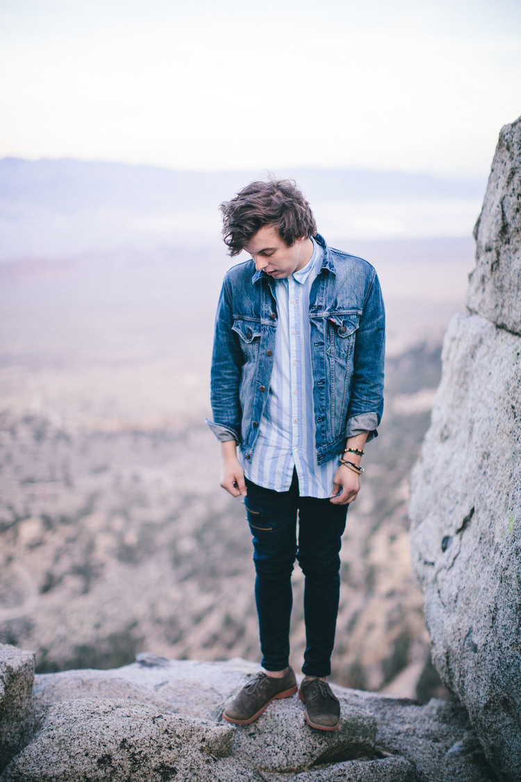 Welcome to the site! - Alex Preston is a singer/songwriter from New Hampshire. He currently lives in Boston, MA. Take a look around!