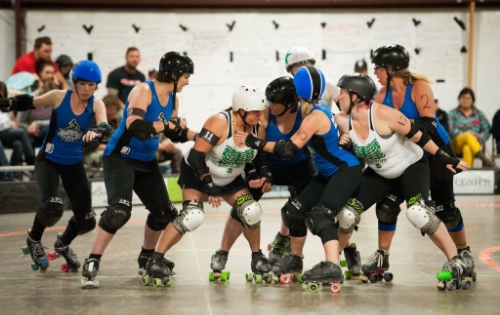 Killer Queen and Nikki Nail'er play try to spring jammer Fighting Girlfriend in Salida.