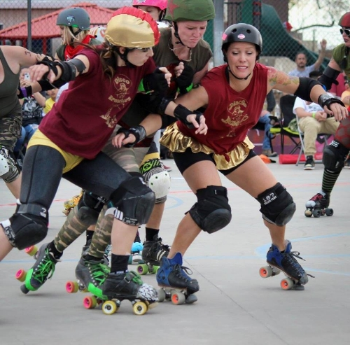Hearno Evil and Harley Darlin' keep Fighting Girlfriend in the pack. Photo: Mike Potter.