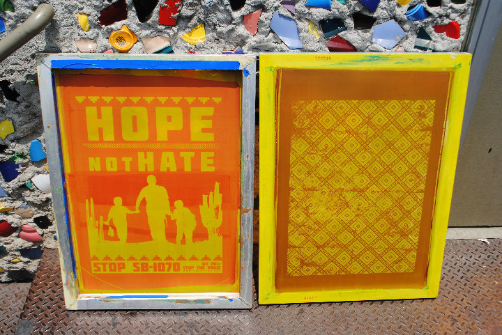 Screens produced for pro-migrant actions in Los Angeles and Arizona.