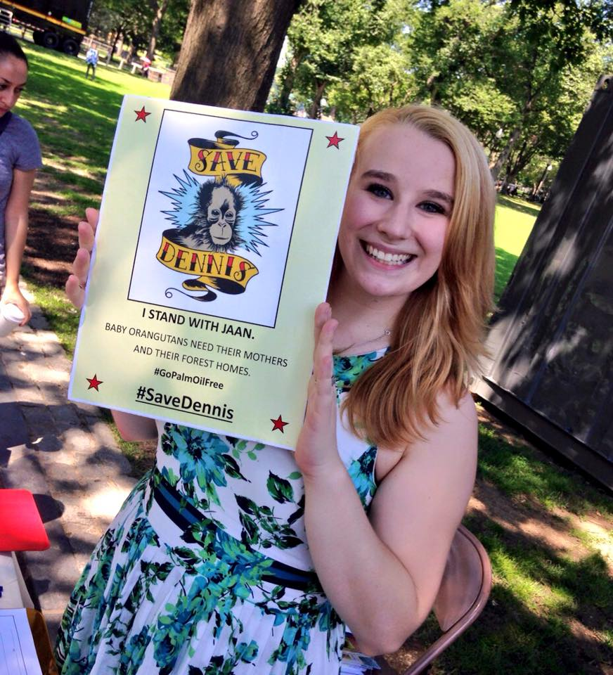 Contributor Lindsay doing a photo petition, Source:  Boston Palm-Oil Action Team