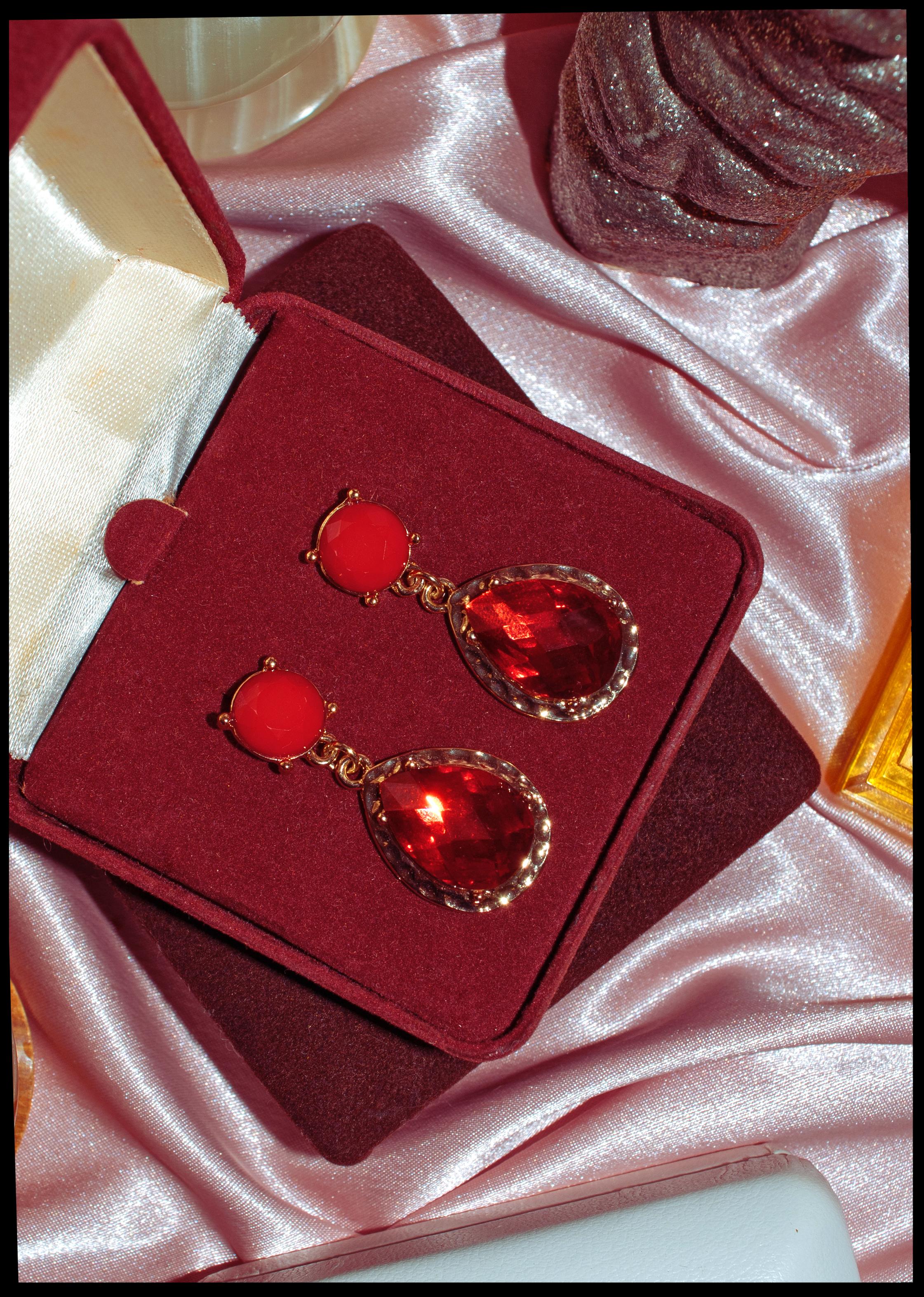 Not waste: Ruby Drop Earrings