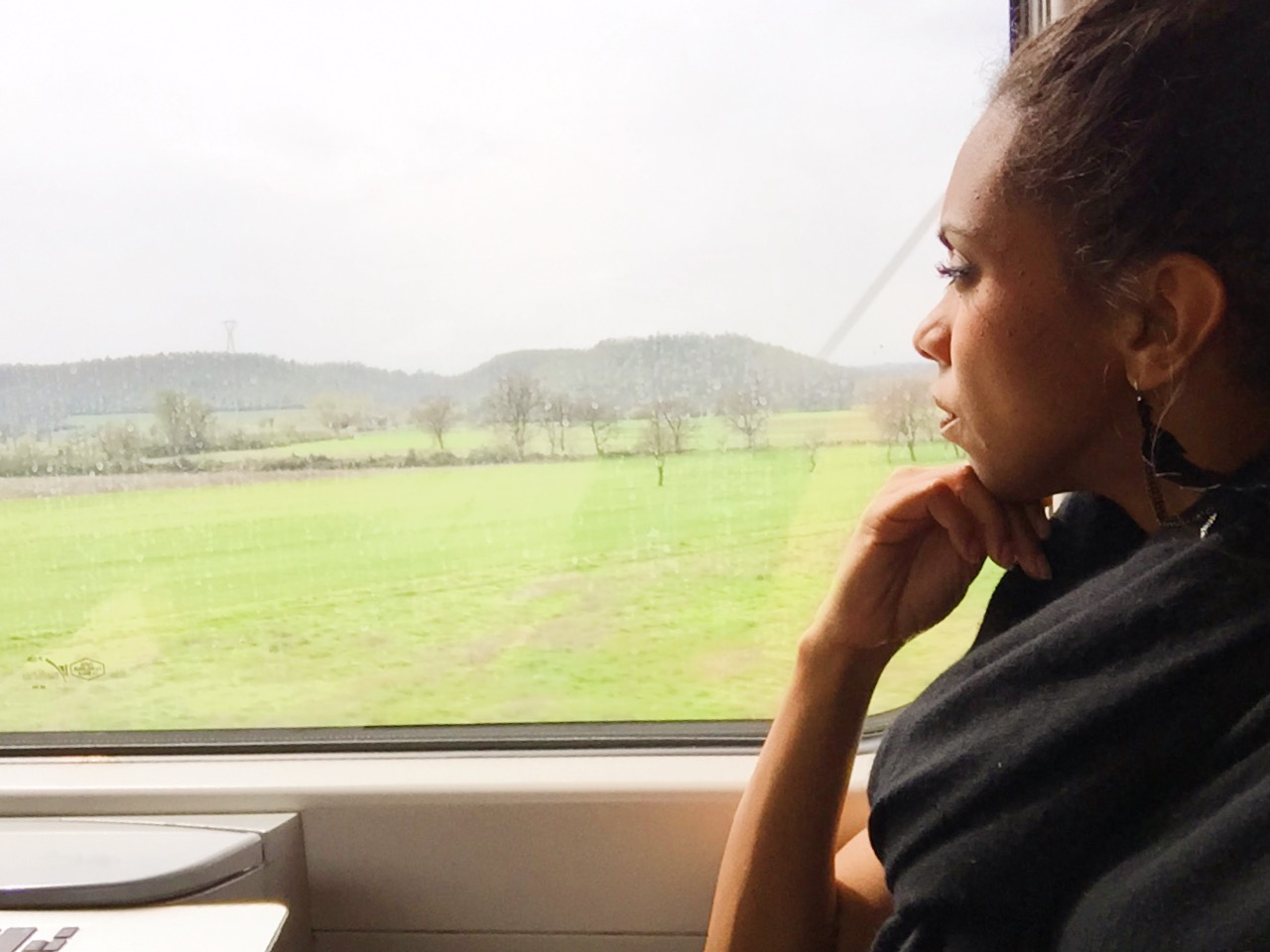 how to travel by train in Italy