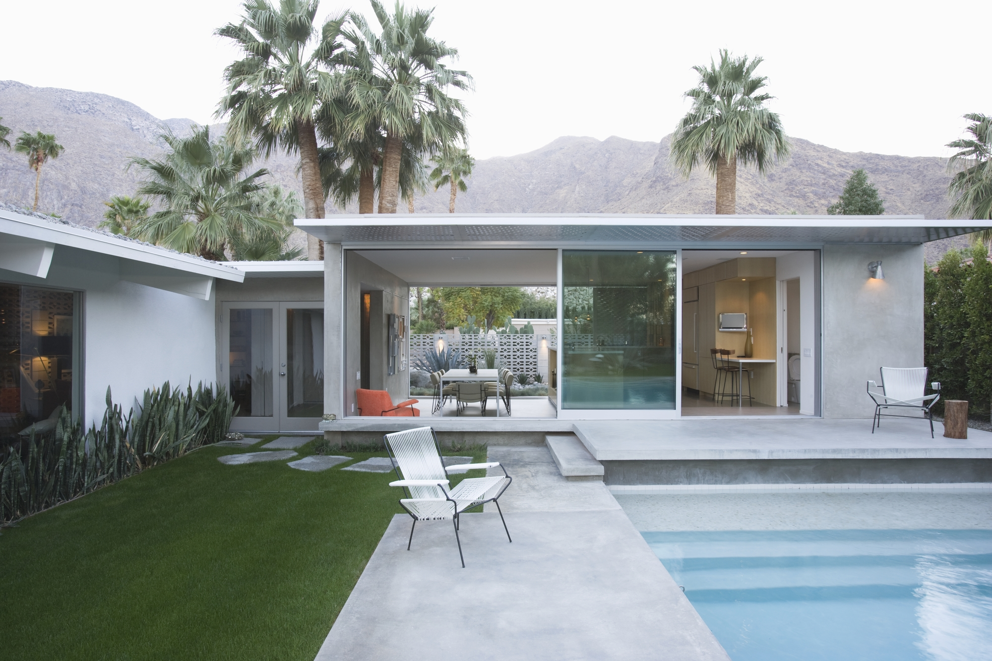 Modern Tour in Palm Springs