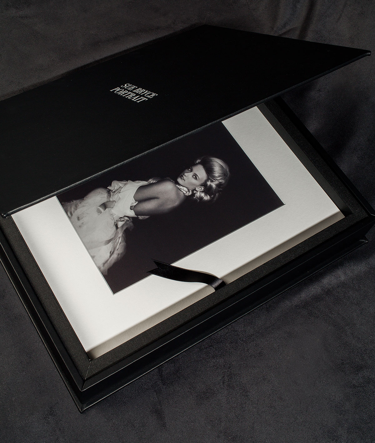 We offer the Leather Folio Box in black.