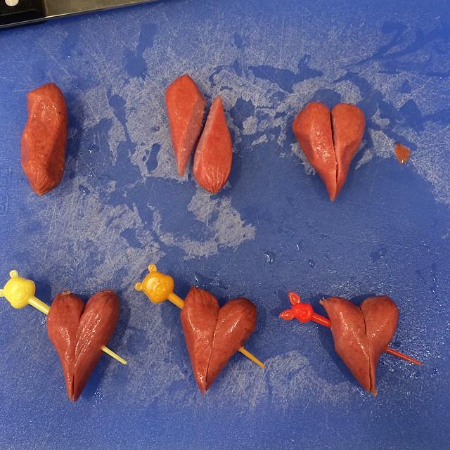 how to make hot dog hearts | whatlisacooks.com