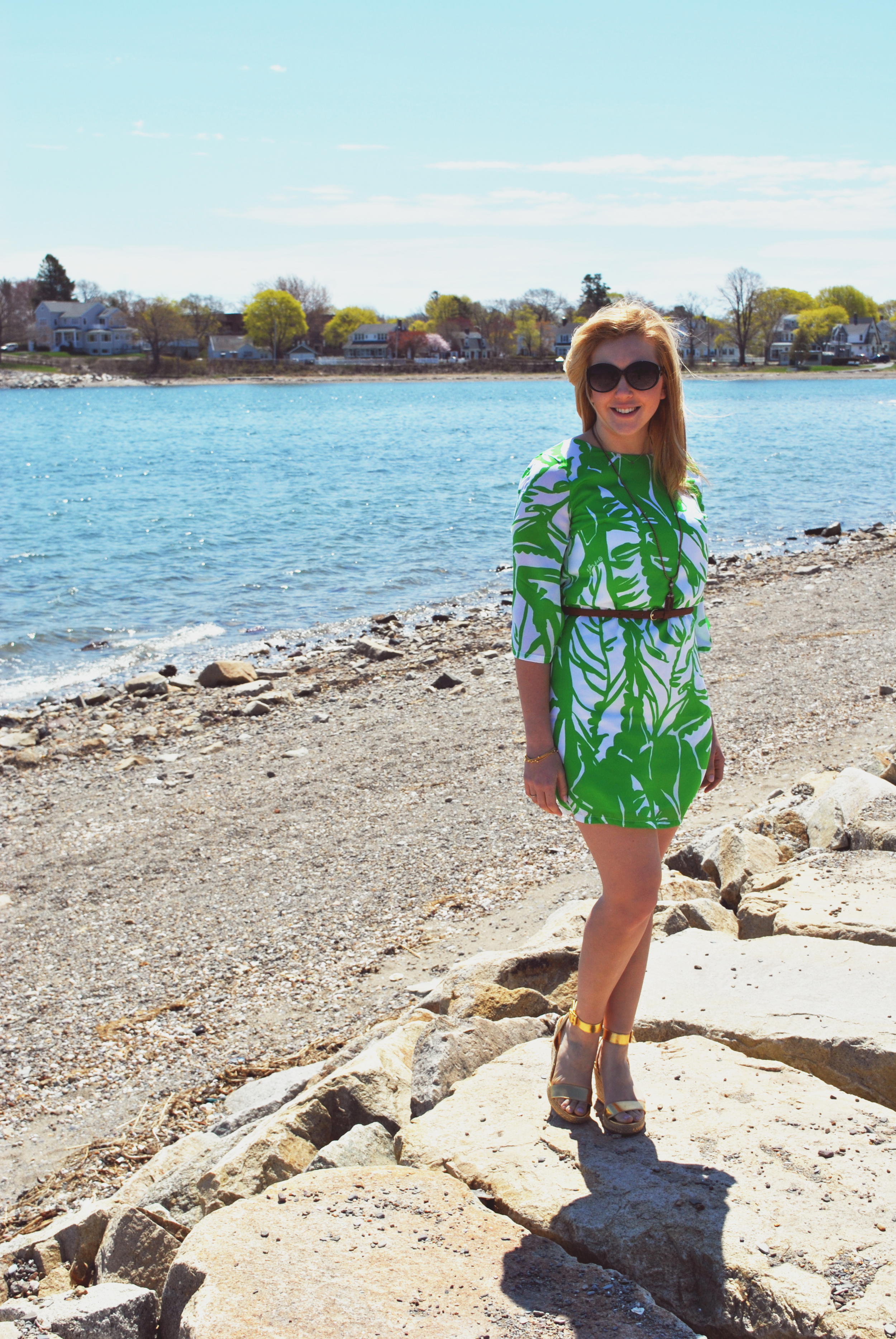 Green with Lilly pulitzer // preppy girl // green dress // summer dress // beach outfit // preppy outfit | thoughtfulwish