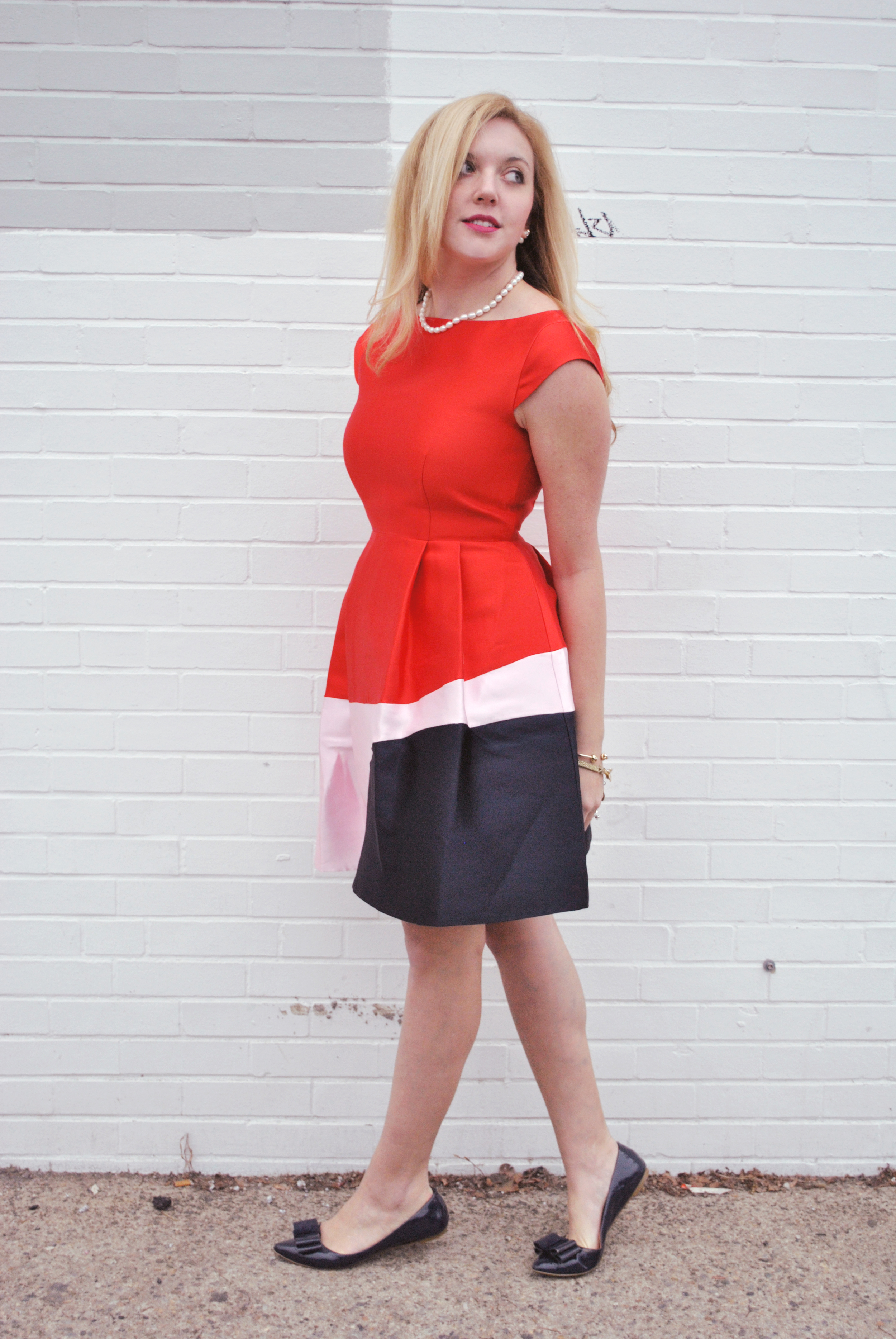 thoughtfulwish | preppy outfit // holiday outfit // holiday dress // color block dress // kate spade // fashion blogger // boston fashion // meredith wish