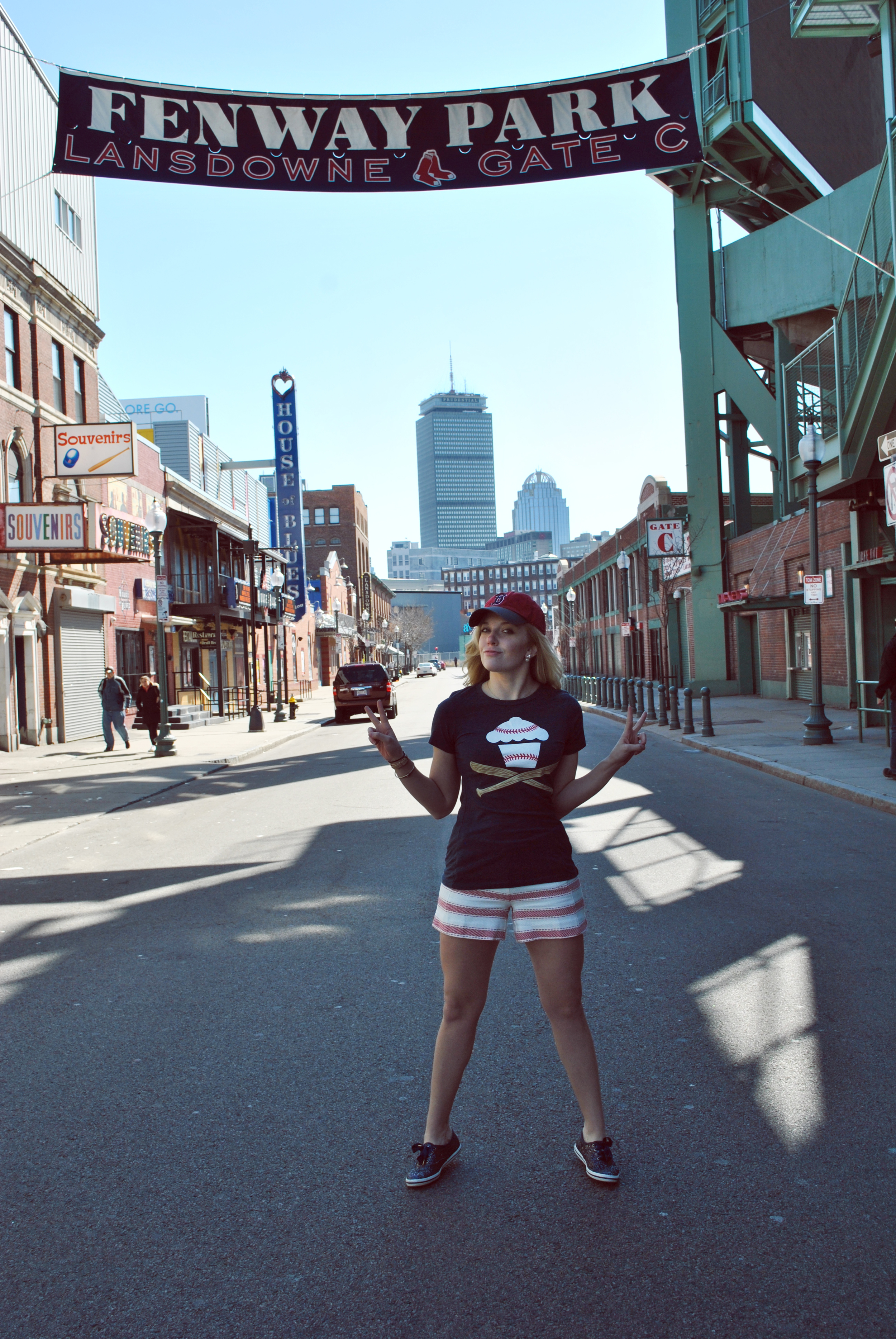 thoughtfulwish | boston // baseball // preppy fashion // red sox fashion // #myfenway // the loft // kate spade // meredith wish // bleacher bar