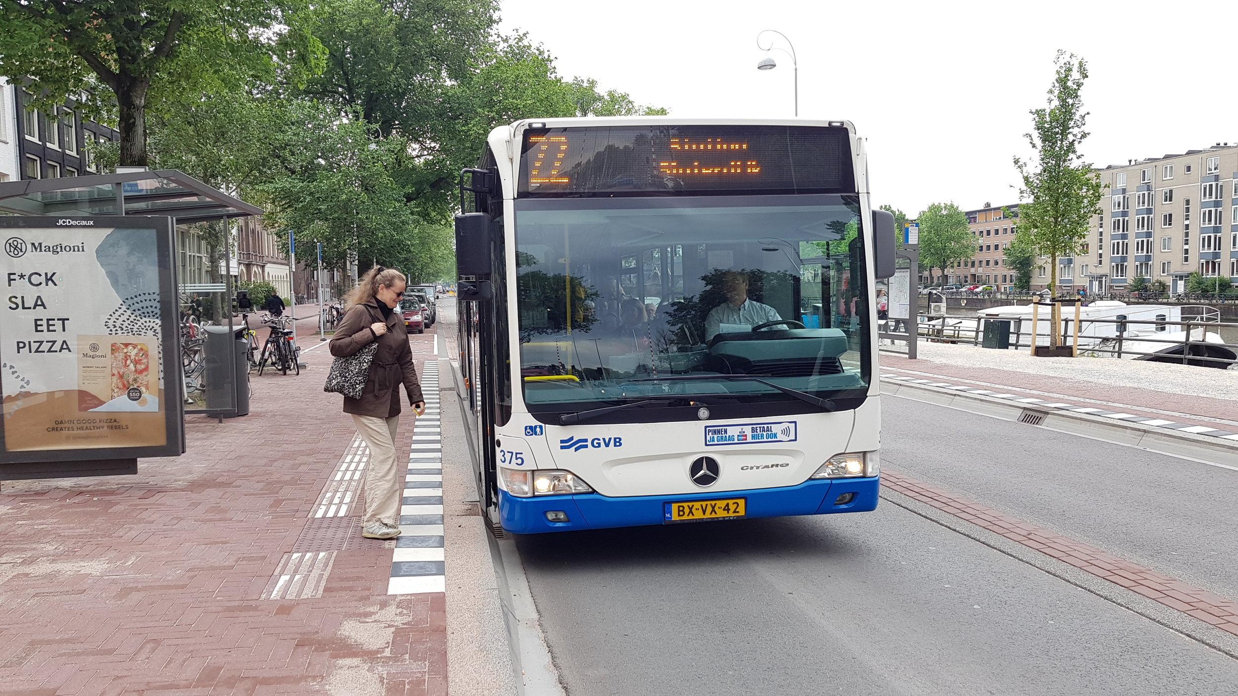 Bus 22.jpg