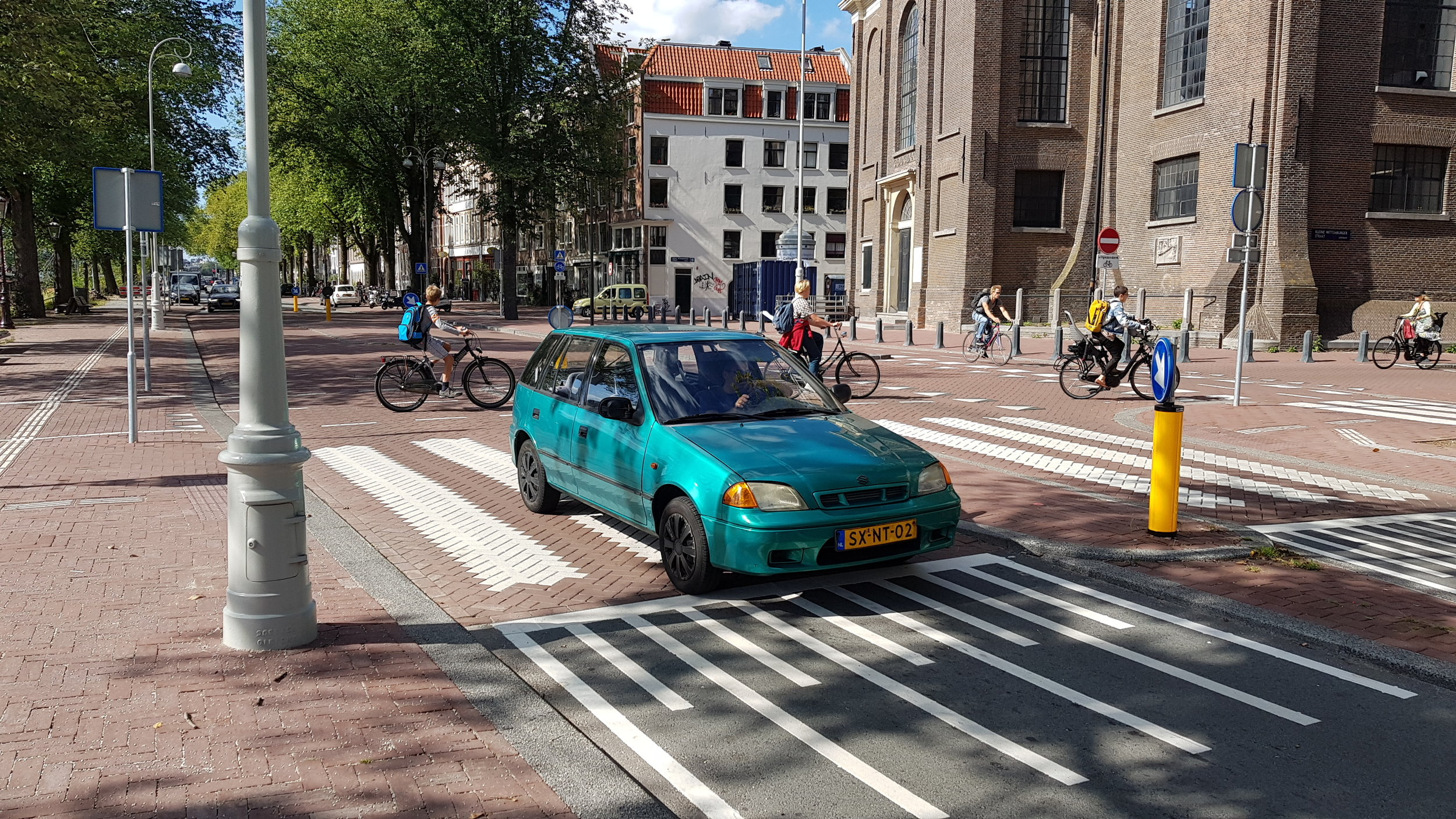 Eilandenboulevard kruispunt Oosterkerk sept 2019.jpg