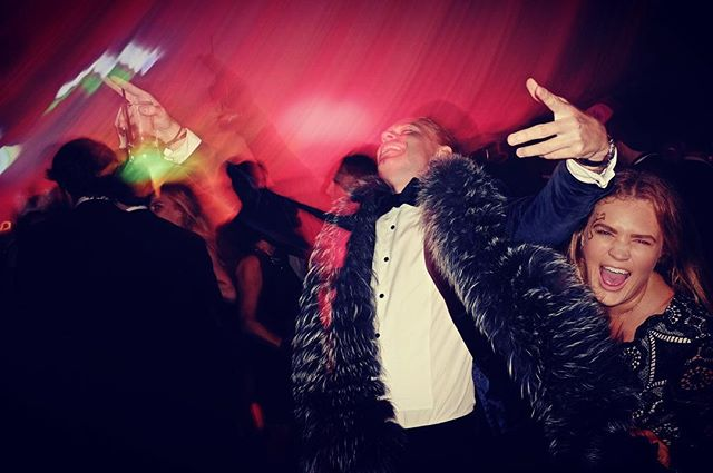 A little flash, a little blur, a fur scarf... #weddingphotographer #weddingphotography #fujifilm #fujixpro1 #dancefloor #colour #bowtie #fujix #party #fuji_xseries #flash