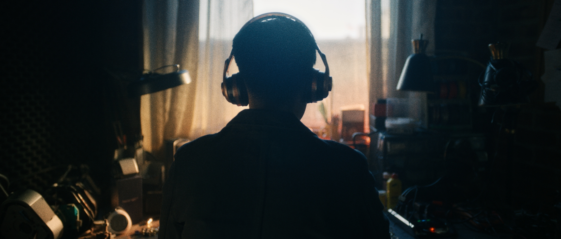 MONSTER_HEADPHONES_1.30.1.jpg