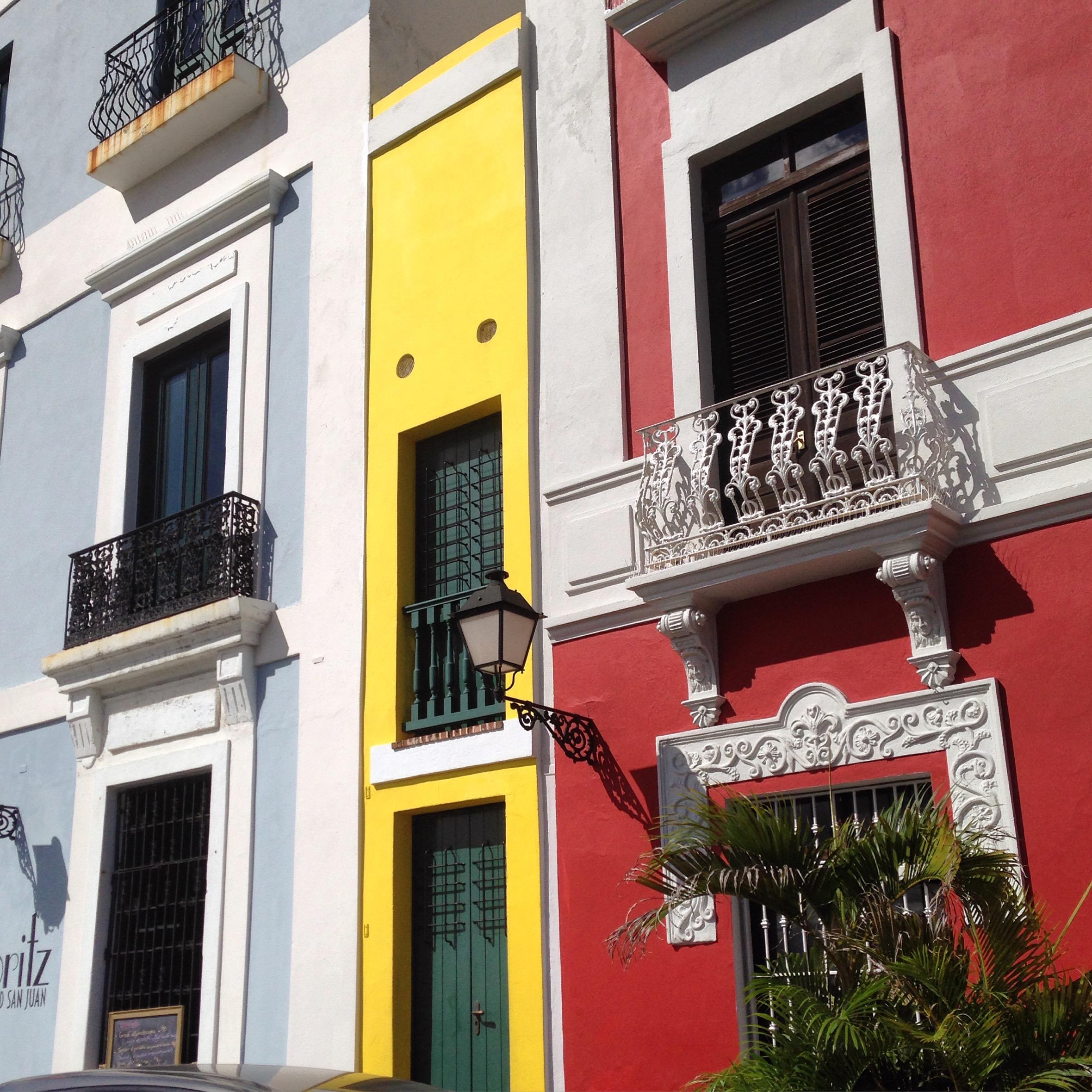 La Casa Estrecha, San Juan PR - One of the narrowest houses in the world.