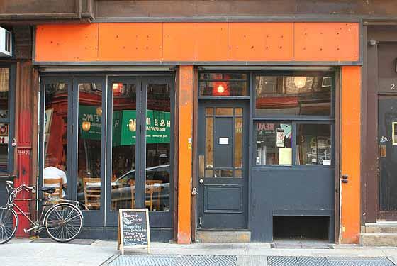 barrio-chino-outside.jpg