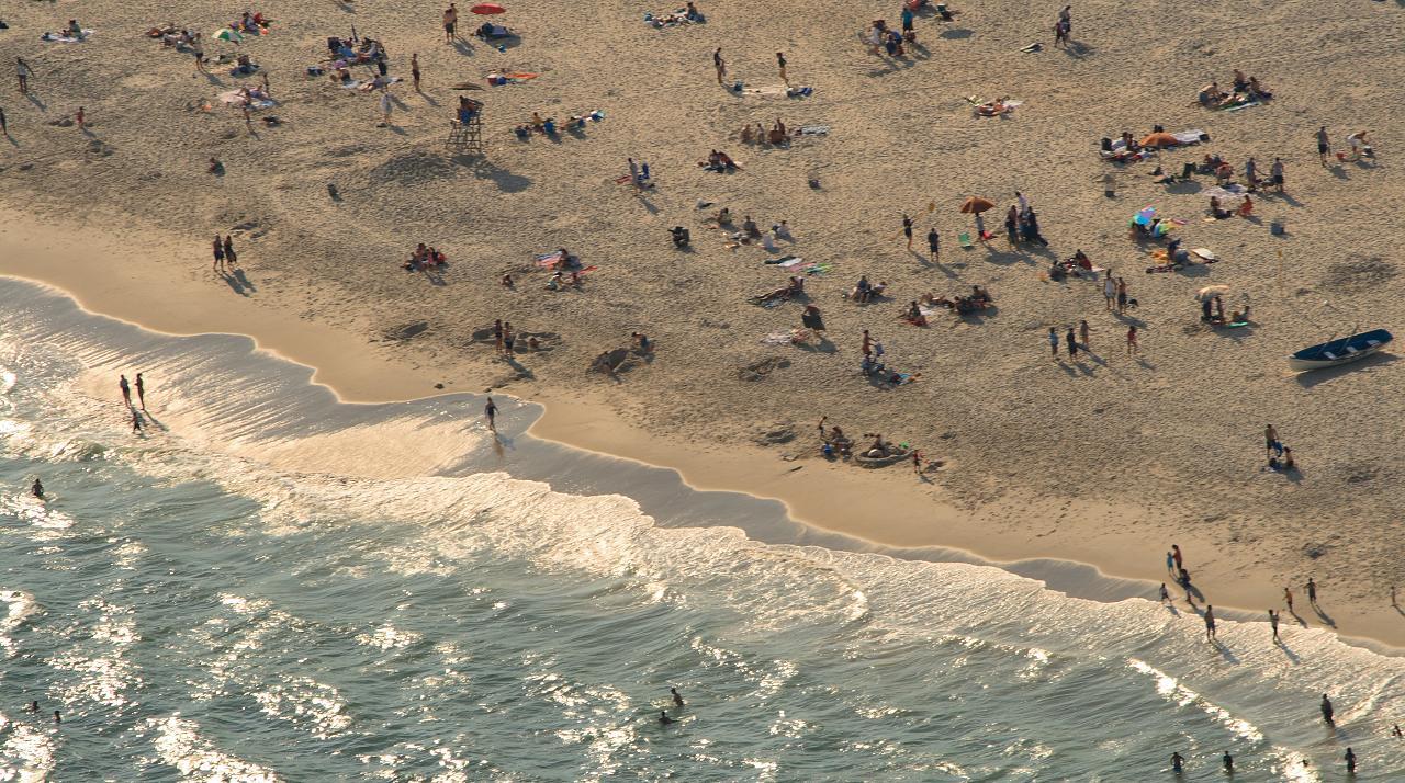 jones-beach-bathers_2866053157_o.jpg