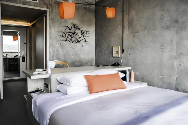 line hotel-2.jpg