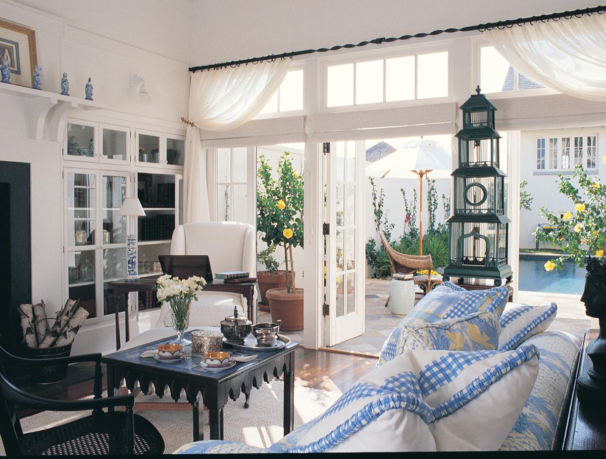 Row House-interior.jpg