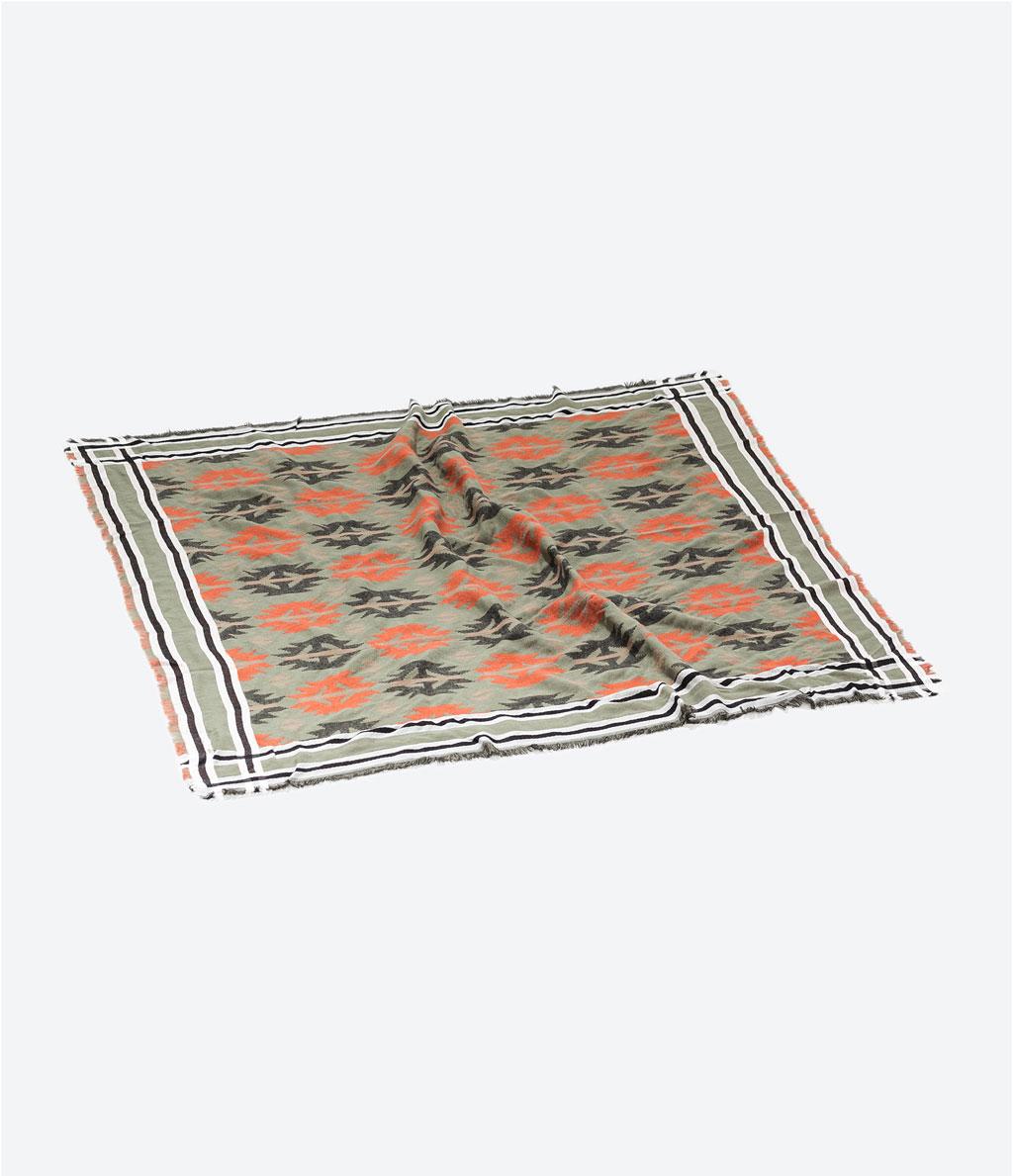 zarablanketscarf2.jpg
