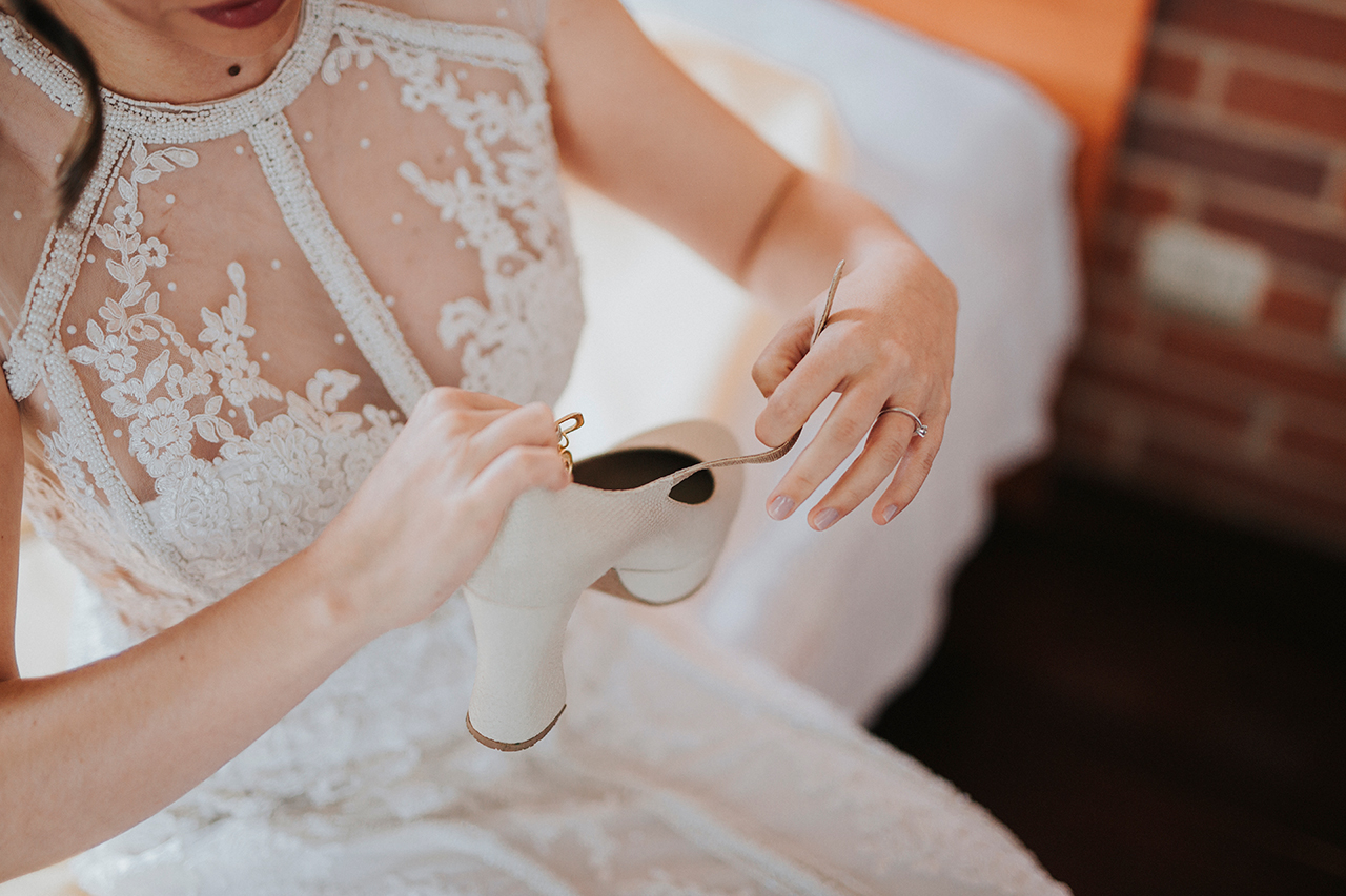 julieth-bravo-wedding-planner-bogota-colombia-zapatos-novia-boda-vestido.jpg