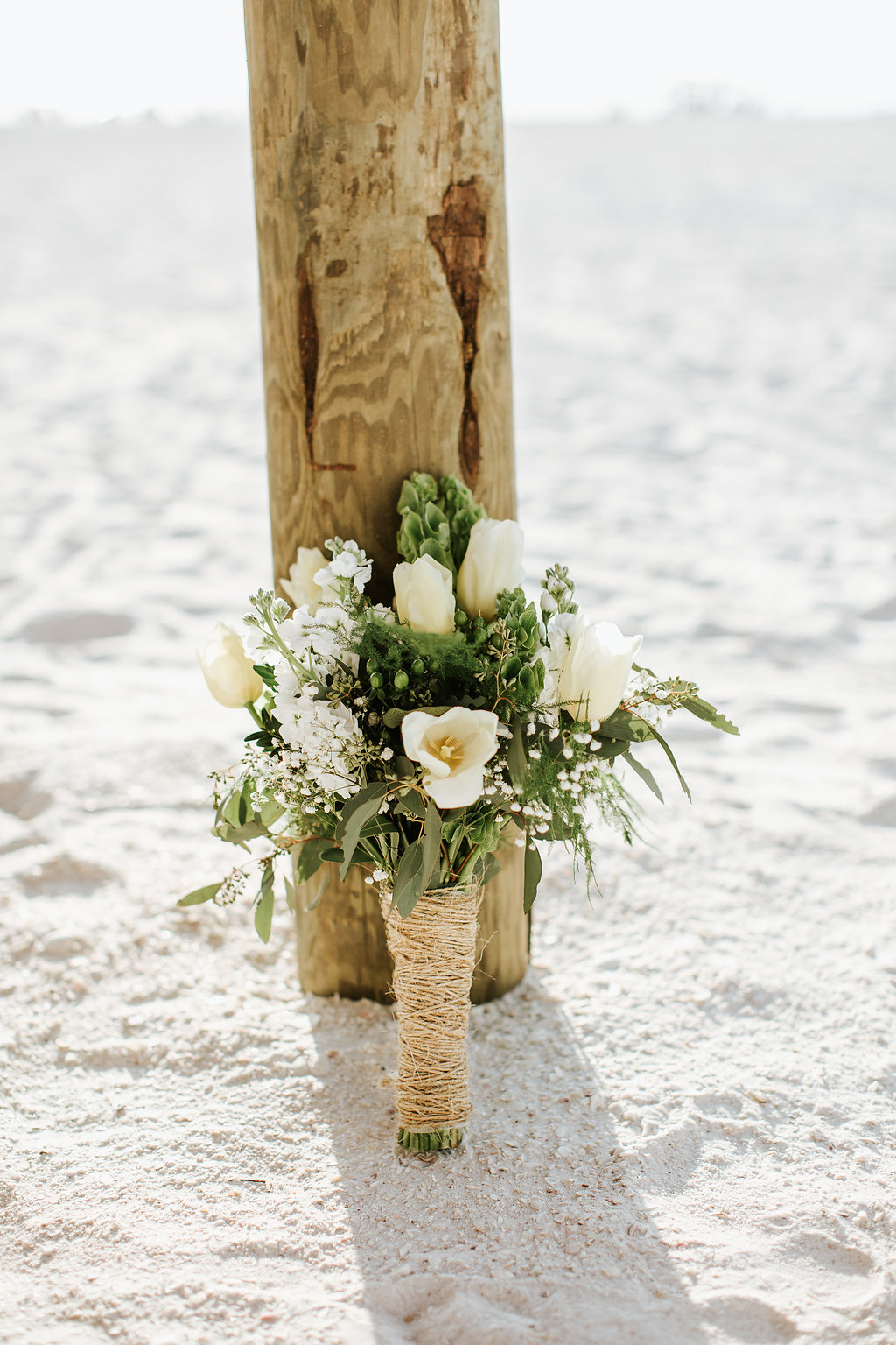 Juliethbravo-bouquet-bride-weddding-planner-tulips-flower-bridetobe-marcoisland-jwmarriott-beachweddinf-destinationwedding-bodadestino.jpg