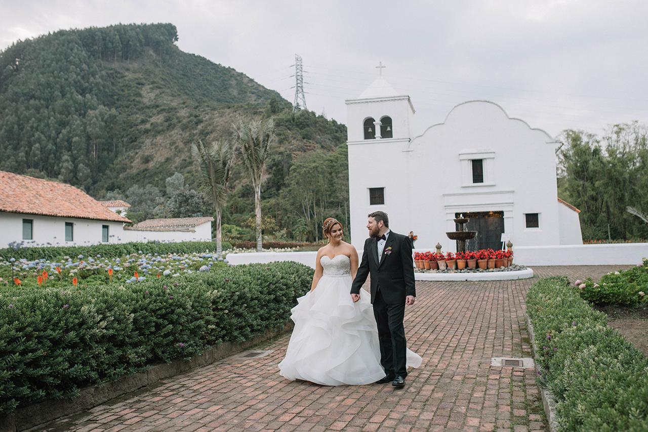 julieth-bravo-wedding-planner-bogota-destino-novia-destination-cerca-montaña-hacienda-capilla.JPG