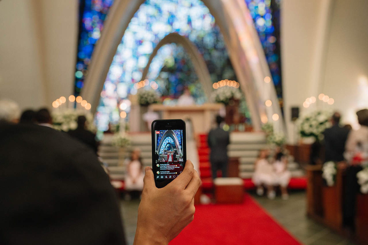 julieth-bravo-wedding-planner-groom-bogota-moderno-capila-ceremonia -facebook-live-guest-invitados-matrimonio-catolico-doris-alvarez-fotografia.jpg